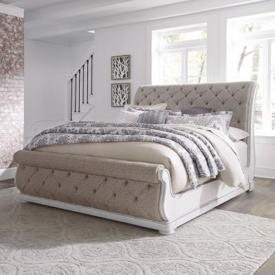 Liberty Furniture Magnolia Manor Upholstered Sleigh Bed