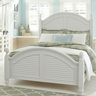 Liberty Furniture Summer House I White Queen Poster bed